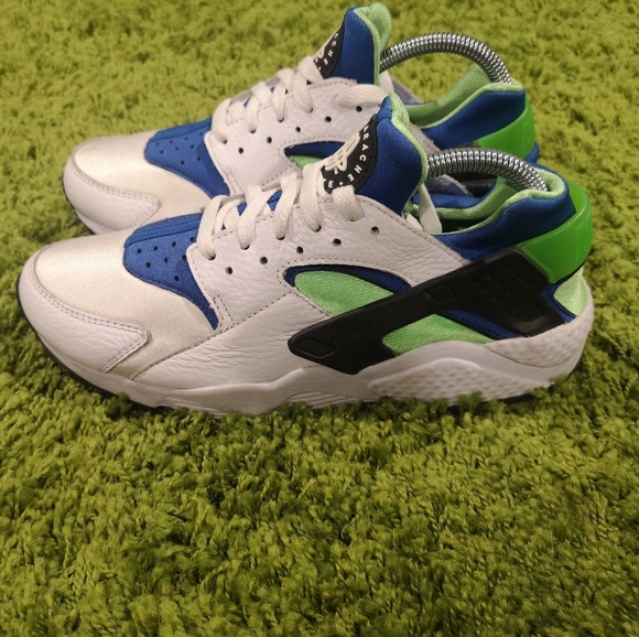 Nike Other - Nike Air Huarache Scream Green